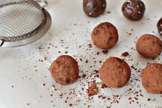Raw Truffles Truffles, Sweet Tooth, Cookies, Desserts, Recipes, Food, Crack Crackers, Tailgate Desserts, Deserts