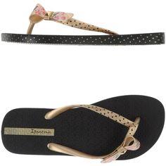 Ipanema Thong Sandal ($39) ❤ liked on Polyvore featuring shoes, sandals, gold, thong sandals, ipanema sandals, toe thong sandals, toe post sandals and bow flat shoes
