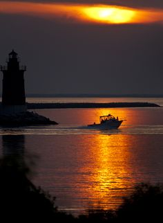 Sunset Cruise on the Delaware Bay. Photo by Tony Pratt. Learn more about Delaware beaches at http://www.visitdelaware.com/beaches/