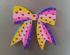 magnet en bois ruban noeud arc-en-ciel coeur par BunnyHeartsYou #art #illustration #etsy #bow #magnet #pastel #rainbow #love #lovers #hearts #dots #funny #pretty #girly #beautiful #cute #drawing #painting #diy #craft