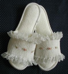 How to make smocked slippers