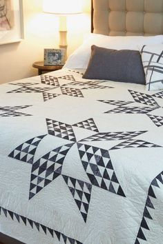 Subtle color and value changes in black prints make this bed-size quilt pattern, Night & Day by Jackie Robinson, a class act. This Star quilt is classy and timeless -- a work of art! Get the quilt kit while supplies last. Star Quilt Patterns, Star Quilts, Quilt Blocks, Star Blocks, Canvas Patterns, Quilting Ideas, Two Color Quilts, Blue Quilts, Vintage Star