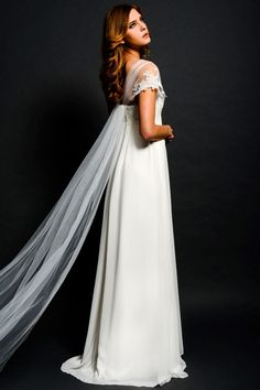 8a27f1e4448 Robe de mariage maternité empire perlé avec mancherons brodé de dentelle