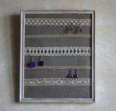 Cadre présentoir lin & dentelles anciennes pour 20 boucles d'oreilles