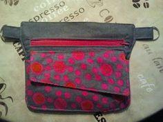 Waist bag, fanny pack … – pocket # Belt bag … - Learn and teach you Hip Purse, Waist Purse, Waist Pouch, Hip Bag, Belt Pouch, Ceinture Louis Vuitton, Bag Patterns To Sew, Simple Bags, Zipper Bags