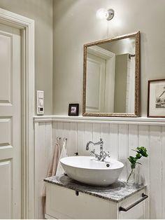 My Bohemic home: Badrumsinspiration - lantliga badrum! Modern Bathroom, Small Bathroom, Master Bathroom, Bad Inspiration, Bathroom Inspiration, Mini Loft, Storage Stool, Viera, Home Decor