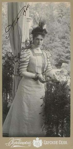 Empress Alexandra, 1900