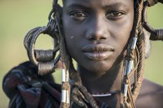 Over the past few years, traditional tribal life in the Omo Valley, Ethiopia, is claimed to have been threatened by modern developments. Mursi Tribe, Tribal Community, African Tribes, African Art, The Lost World, World Pictures, Portrait Photography, The Past, The Incredibles