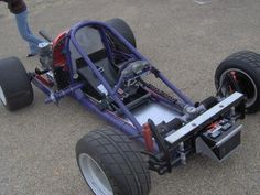 VW powered go kart? Yes, yes I would…After doing something about that battery placement. E Quad, Kart Cross, Vw Beach, Go Kart Plans, Diy Go Kart, Sand Rail, Drift Trike, Engin, Karting