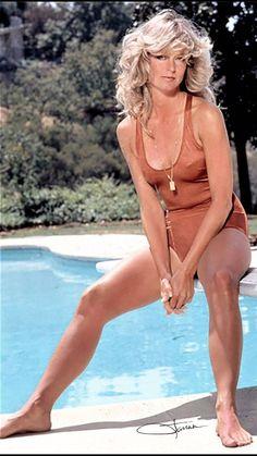 A George Vreeland Hill pin. Hottest Female Celebrities, Girl Celebrities, Beautiful Celebrities, Beautiful Actresses, Celebs, Kate Jackson, Farrah Fawcett, Vintage Hollywood, Classic Hollywood