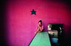by Alex Webb / Violet Isle - Cuba, Camaguey, 2008 Magnum Opus, Magnum Photos, Alex Webb, Gta San Andreas, David Alan Harvey, Photographer Portfolio, Wow Art, Street Photographers, Photography Workshops