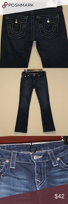 """True Religion Jeans Size 28. MAKE AN OFFER! True Religion Jeans Inseam: 32""""  Waist size 28""""  Like new, no rips, stains, or tears.  Stretch Style Boot Cut True Religion Jeans Boot Cut"""