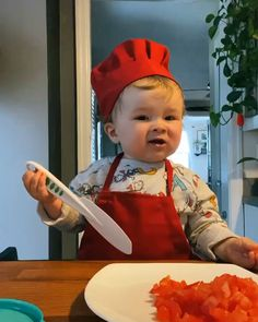 Cute Funny Baby Videos, Cute Funny Babies, Funny Baby Memes, Funny Videos For Kids, Funny Kids, Funny Cute, Baby Cooking, Cooking Food, Kobe