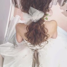インスタで発見!ヘアメイクアップアーティスト《yuudaiさん》のゆるふわヘアアレンジ*16選 | ZQN♡ Wedding Headband, Bridal Hair, New Hair Do, Hair Arrange, Wedding Hairstyles, Hair Beauty, Flower Girl Dresses, Wedding Dresses, Hair Styles