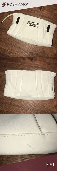 ❤️ Victoria's Secret White Clutch Victoria's Secret ❤️  New White Clutch  Has some marks on the bottom and front, but aren't too noticeable  I do not: ❌ Trade ❌ Accept Lowball Offers  I encourage: ✅ Bundling ✅ Reasonable Offers  ❤ All items are in great condition unless otherwise noted  ❤ All items are from a smoke free home ❤ I offer a bundling discount to encourage bundling ❤ If you have any questions, don't hesitate to ask! Victoria's Secret Bags Mini Bags