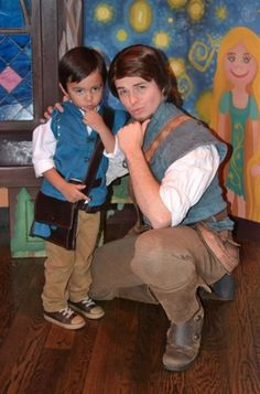 Love This! <3 Flynn as a twin AND they both have awesome smolders! <3
