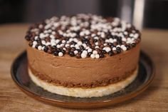 Here is my uncomplicated royal chocolate cake recipe, I . - Pastry World Cool Wedding Cakes, Beautiful Wedding Cakes, Lace Pancakes, Mousse Au Chocolat Torte, Chocolate Cake Recipe Easy, Cake Chocolate, Almond Cookies, Cake Recipes, Yummy Food