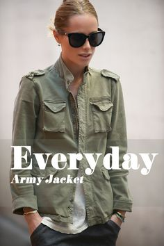 Daily Look Archives Military Looks, Military Jacket, Army Jacket Style, Army Green Jacket Outfit, Cargo Jacket, Military Style, Spring Summer Fashion, Autumn Fashion, Veja Esplar