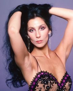 Singer and actress Cher poses for a Fashion Session in a Bob Mackie Creation on April 1978 in Los Angeles, California. Get premium, high resolution news photos at Getty Images Divas, Famous Women, Real Women, Girl Celebrities, Celebs, Cher Young, Cher Photos, Beautiful People, Beautiful Women