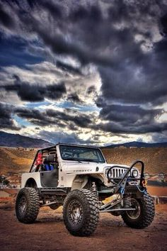 #jeepedin Jeep - wow - what a sky www.JeepDreamsUSA.com
