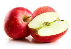 O consumo regular de maçã é excelente para se prevenir e manter a taxa de colesterol em níveis aceitáveis, com a ingestão recomendada de uma unidade por dia. Esse efeito é devido ao alto teor de pectina, encontrada na casca.