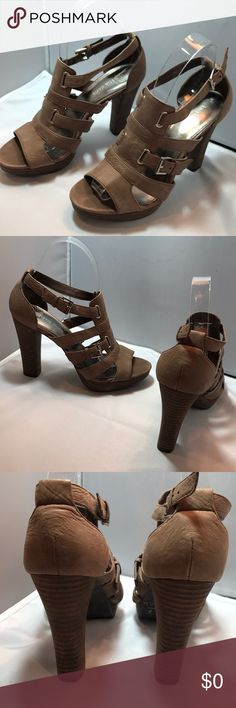 Kristin Davis 6.5 GLADYS leather stacked heel Really pretty   Nice detail   Gently used Kristin Davis Shoes Sandals