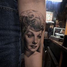 Like Lucille Ball, I Love Lucy tattoos will forever go down in history. Cool Arm Tattoos, Inked Magazine, Lucille Ball, I Love Lucy, Tattoo Designs, Tattoo Ideas, Vintage Girls, Girl Photos, Tattoo Artists