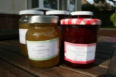 Hrušková povidla Nutella, Jar Of Jam, Sugar Intake, How To Make Drinks, Natural Preservatives, Snacks, Berries, Food And Drink, Homemade