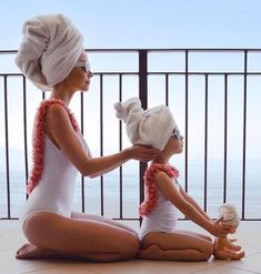Mutter und Tochter Badeanzug Bikini Outfits - A/ Pics - Mother Daughter Photos, Mother Daughter Fashion, Mother Daughter Photography, Mom Daughter, Mama Baby, Baby Bikini, Great Gifts For Mom, Perfect Gift For Mom, Mommy And Me Swimwear