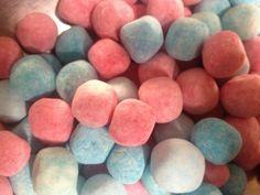 bubblegum bonbons sugar dusted bubblegum flavoured chewy sweets Blue Sweets, Milk Allergy, Gum Arabic, Bubble Gum, Coconut, Sugar, Colours, Humectant, Citric Acid