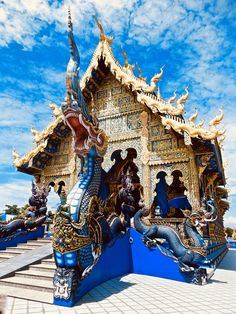 The Blue Temple (Wat Rong Sear Tean)
