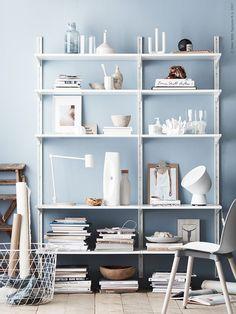 Ikea Billy Bookcase Hacks - How To Make the Cult Item Look Built-In Bedroom Shelf Design, Shelves In Bedroom, Diy Bedroom, Ikea Algot, Ikea Inspiration, Hackers Ikea, Ikea Billy Bookcase Hack, Sweet Home, Shelving