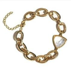 Compra aqui: www.sophiejuliete.com.br/estilista/nandabordon Pulseira  corrente banhada a ouro 18k pedra brasileira quartzo transparente