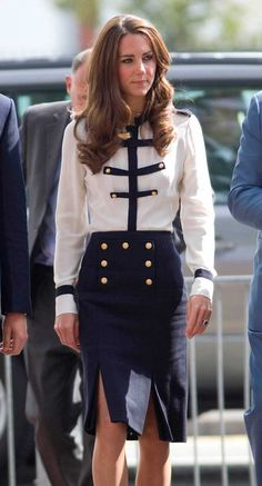 Leçon de style de Kate Midleton, pour être au Top comme une princesse ! http://www.addicte.me/categorie/1/people/article/166/kate-middleton-son-analyse-de-style