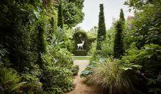 Inside the most enchanting Kensington garden, designed by Todd Longstaffe-Gowan - Garten London Garden, Most Beautiful Gardens, Garden Architecture, Foliage Plants, Garden Planning, Garden Inspiration, Garden Ideas, Evergreen, Outdoor Gardens