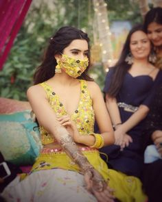 The bridal fashion. Match the mask to your bridal outfit! Tag the bride-to-be and give her a little fashion tip! Mehndi Ceremony, Intimate Wedding Ceremony, Haldi Ceremony, Bridal Mask, Bridal Makeup, Bridal Mehndi, Bridal Lehenga, Wedding Makeup, Bridal Looks