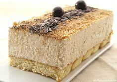 ¡Mira que no me gusta el turrón blando, pero esta tarta me ha encantado!. Estoy aprovechando el puente de la Constitución para preparar recetas de Navidad para el blog y ¡madre mía, cómo me estoy poniendo!. Es un problema que … Continuar leyendo → Dessert Sans Four, My Dessert, Delicious Desserts, Dessert Recipes, Thermomix Desserts, Gateaux Cake, Pan Dulce, Xmas Food, No Bake Cake