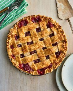 How To Make the Best-Ever Cherry Pie with Fresh Summer Cherries (Kitchn Sugar Pie, Sugar Sugar, Just Pies, Homemade Pie Crusts, Homemade Pies, Pie Tops, Sweet Cherries, Frozen Cherries, Drop Cookies