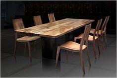 Ein Herz für Holz – Stilmöbel aus dem Kloster Fischingen. Hier werden Tische und Stühle fachgerecht hergestellt aus einheimischem Holz. Sie bestimmen die Holzart, das Design, die Masse und wir setzen alles daran, Ihre Wünsche aus Holz zu erfüllen. Antike Möbel werden nach den Regeln der traditionellen Handwerkskunst restauriert. #massivholzmöbel#antikmöbel#interiordesign#furniture#sideboard#swissmade www.wohn-punkt.ch