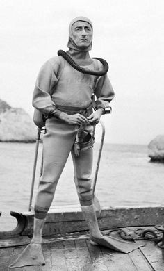 Scuba Diving for Beginners : Tips for Using Scuba Diving Regulator Scuba Diving Gear, Diving Suit, Jacques Yves Cousteau, Life Aquatic, Cultura Pop, Funny People, Vintage Photos, Underwater, Famous People