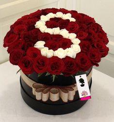 - New Ideas - San Valentino Idee Boquette Flowers, Luxury Flowers, Beautiful Flowers, Flower Box Gift, Flower Boxes, S Love Images, Alphabet Wallpaper, Alphabet Design, Alphabet Style