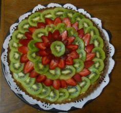 Tarta de crema pastelera y frutas de estación