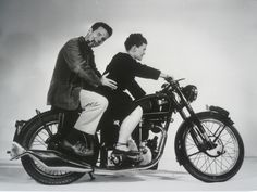 «Amongst the greatest characters of mid century design are Charles and Ray Eames. They were a motorcycle riding, pipe smoking husband and wife duo that have influenced every generation of designers that followed them.»