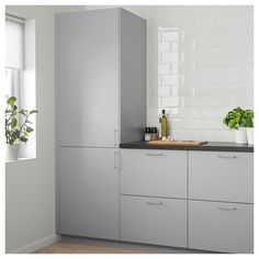 IKEA FROSTIG integrated fridge A++ 5 year guarantee. Read about the terms in the guarantee brochure. Kitchen Doors, New Kitchen, Kitchen Cabinets, White Ikea Kitchen, Beige Kitchen, High Gloss White Kitchen, Shaker Cabinets, Wooden Kitchen, Integrated Fridge