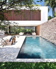 """• """"honey, i'm going for a swim in MY badass swimmingpool"""" • and whaaat a house! Jééézz •"""