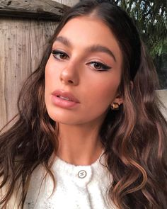 Camila Morrone Eyeliner-Make-up-Look - Makeup Tips Highlighting Beauty Trends, Beauty Hacks, Beauty Tips, Butter Blonde, Plus Size Blog, French Makeup, Silvester Make Up, Beauty Makeup, Hair Beauty