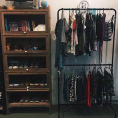"""7,908 Likes, 194 Comments - ELLORA HAONNE (@ellorahaonne) on Instagram: """"se eu fizer mais um bazar desses com minhas roupas, quem topa? ❤️"""""""