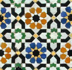 :::: ✿⊱╮☼ ☾ PINTEREST.COM christiancross ☀❤•♥•* :::: http://moroccandesign.com/images/patterns/khatim-zillij-fes-wall.jpg