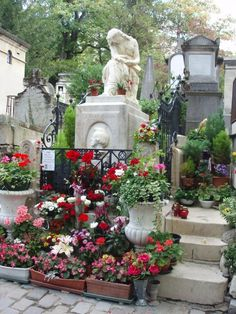 Victorian cemeteries -  WOULDN'T YOU KNOW THEY WOULD BE COLORFUL AND BEAUTIFUL IN THE VICTORIAN ERA??…………ccp