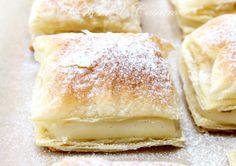Cremşnit de post | REALITATEA.MOBI No Cook Desserts, Sweet Desserts, Dessert Recipes, Yummy Treats, Yummy Food, Romanian Food, Bread And Pastries, Vegan Sweets, How Sweet Eats